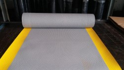 PRO-Onc - İzole Halı - Yalıtan Paspas 5 Mm 40 Kv Gri (Sarı Dikkat Şeritli)