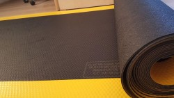 PRO-Onc - İzole Halı - Yalıtan Paspas 5 Mm 40 Kv Siyah (Sarı Dikkat Şeritli)