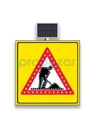 MFK - Mfk 9641 Yolda Çalışma Var Sarı Zeminli Güneş Enerjili Ledli Uyarı İkaz Levhası